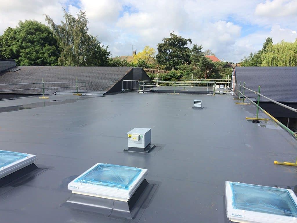 repairing flat roofs